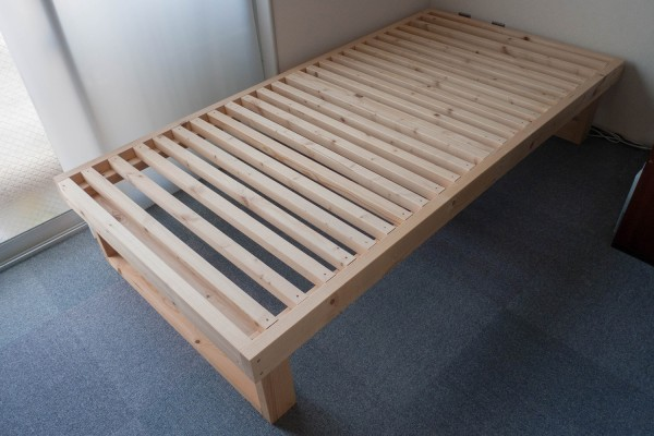 how_to_diy_2x4_bed_frames_top
