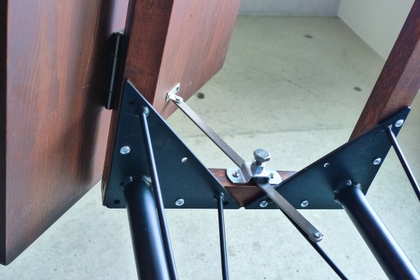 Install the hardware for adjust angle