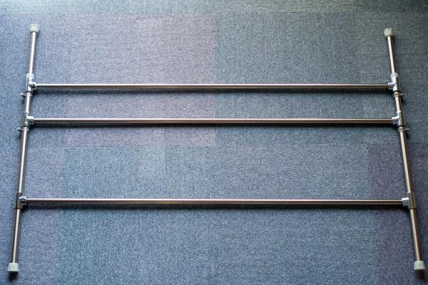 ステンレスパイプとステンレス突っ張り棒の組み立て